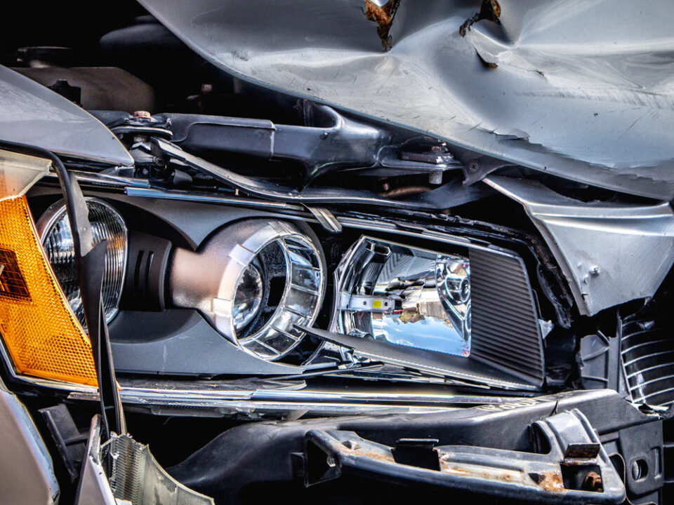 9 tips on what to do immediately after a car accident